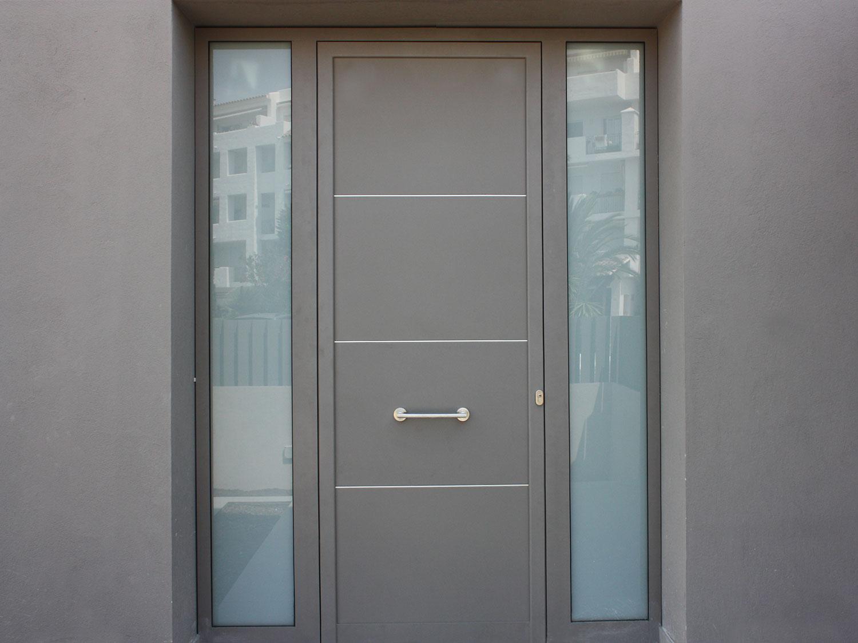 Porta de seguretat vivenda familiar